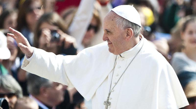 La familia es una red que libera de las aguas del abandono, el Papa en su catequesis