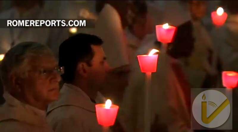 Papa a consagrados: Imitad a los fundadores que no temieron ensuciarse las manos