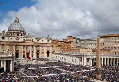 ¡No estamos solos: Jesús está cerca de nosotros! El Papa en el Regina Coeli