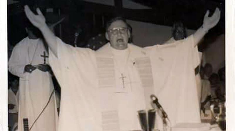"""Mons. Casey: """"Pidamos al Señor que sigamos juntos buscando el bien de la Iglesia"""""""