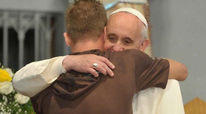 ¿La Iglesia Católica debe pedir perdón a la comunidad gay por haber marginado a estas personas?