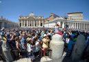 """""""El fuego de Jesús nos ayuda a superar los muros y las barreras de hoy"""", el Papa en el Ángelus"""