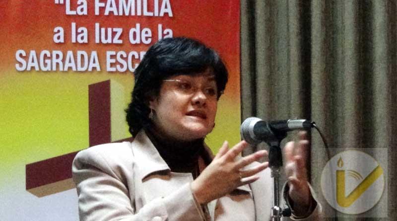 Urge análisis y respuestas a las leyes que afectan a la familia en Bolivia