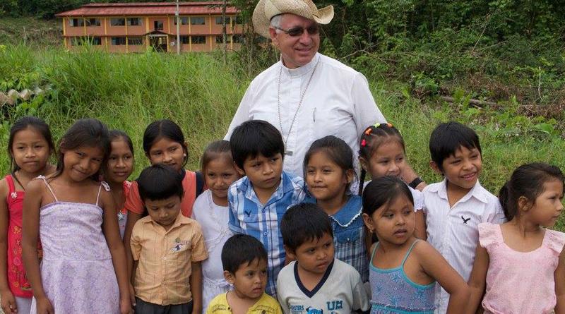 Mons. Robert Flock, 4 años en el episcopado