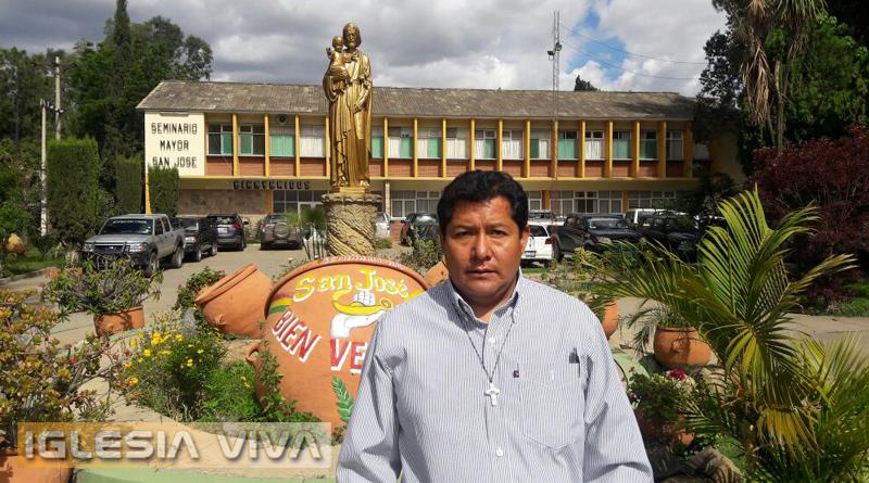 """Padre Uvaldino Cary Condori Nuevo Rector del Seminario Mayor Nacional """"San José"""""""