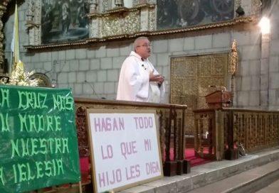 La Virgen del Carmen, Patrona de Bolivia, ora a Cristo por nuestro país