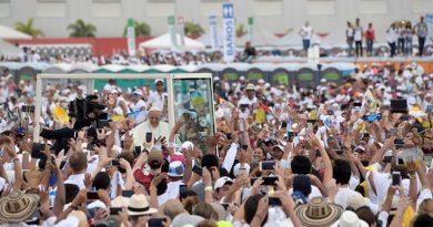 """El Papa al concluir su Viaje: """"Colombia, tu hermano te necesita, ve a su encuentro llevando el abrazo de paz"""""""