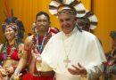 Papa Francisco con los indígenas de la Amazonía