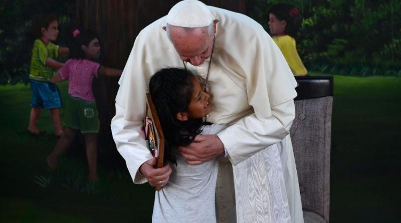 Papa en el Hogar Principito: el mundo los necesita, jóvenes de los pueblos originarios