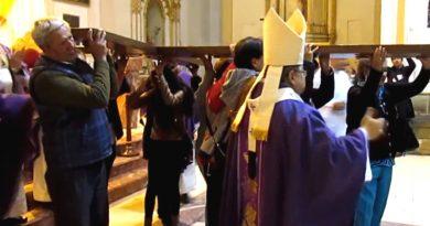 "Mons. Oscar:""Jóvenes elijan la Vida"", Réplica de la Cruz de la JMJ inició su peregrinación"