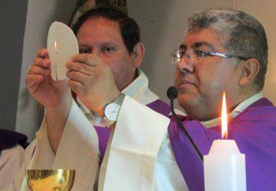 """Mons. Oscar Aparicio: """"Quien conduce nuestras Parroquias es Jesucristo Nuestro Señor"""""""